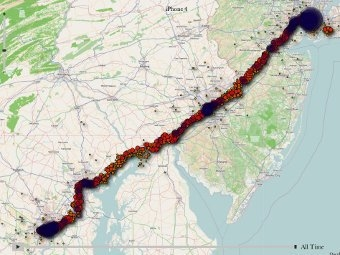 Данные о перемещениях пользователя, привязанные к географической карте. Иллюстрация из блога Пита Уордена.