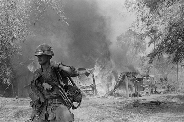Вьетнам, 13 февраля 1968 года (фото Geneviève Chauvel / Sygma / Corbis).