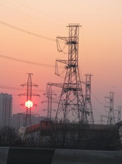 Отечественная электронергетика пока выглядит непривлекательно для инвесторов. Фото Александра Шалгина (НГ-фото)