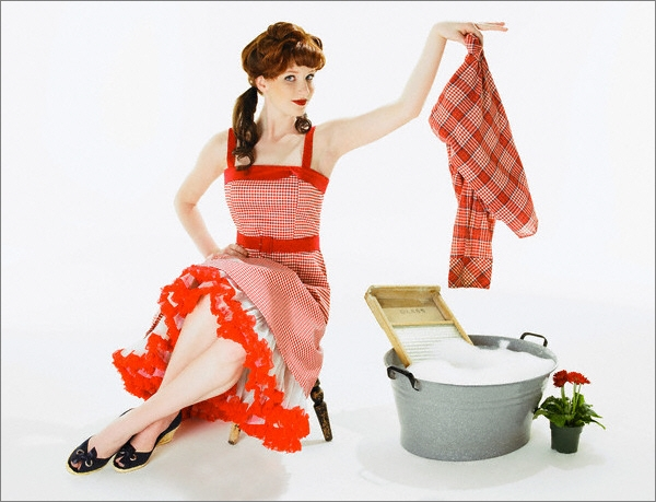Если бить женщину, она будет лучше стирать и готовить. Что? Самореализация по Маслоу? А он разве христианин? (Фото Monalyn Gracia / Corbis.)