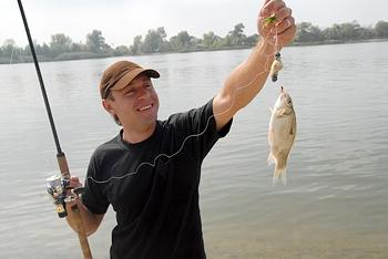 Платить или не платить – вот в чем вопрос российского любителя рыбной ловли. Фото PhotoXPress.ru